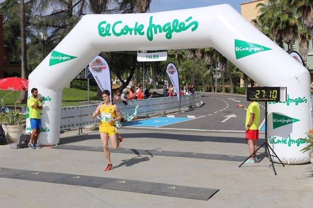 Ganador de la I Carrera Popular UPO del Run Academy