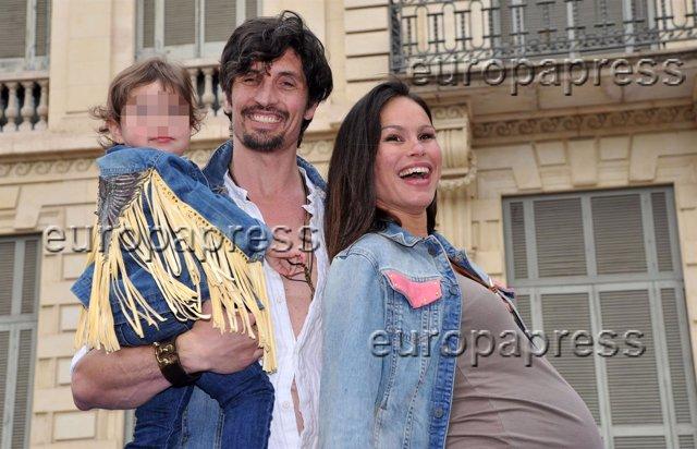 Foto: Mireia Canalda y Felipe López, anfitriones del desfile infantil benéfico