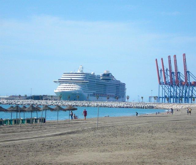 Foto: El puerto recibe este martes cuatro cruceros con una capacidad total de 8.000 pasajeros