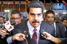 Foto: Venezuela.- La aprobación a la gestión de Maduro sube hasta el 28,2%, según una encuesta (CARLOS GARCIA RAWLINS / REUTE)