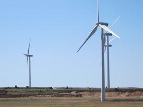 Foto: La eólica dice que la subasta de Industria no elimina la incertidumbre (EUROPA PRESS)