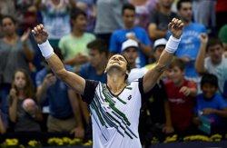 Foto: Ferrer supera Montañés en segona ronda (MANUEL QUEIMADELOS)