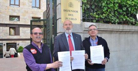 """Foto: Sindicatos se quejan al Defensor del Pueblo de que Sanidad les """"ningunea"""" (CCOO)"""