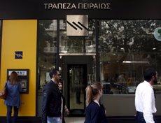 Foto: El griego Piraeus Bank condonará todas las deudas inferiores a 20.000 euros a sus clientes más necesitados (REUTERS)