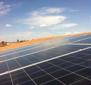Foto: El Supremo avala que la fotovoltaica deba financiar el déficit de tarifa (PROINSO)