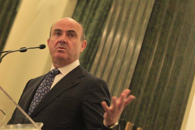 Foto: Guindos negocia con el MEDE seguir acelerando la devolución anticipada del rescate bancario