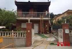 Foto: Mor un ancià en un incendi en una casa de Piera (BOMBERS)