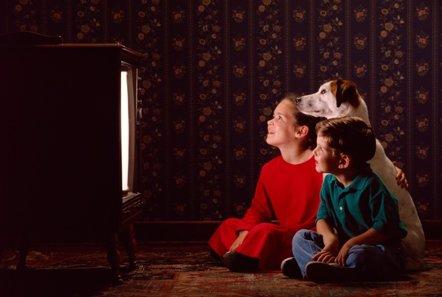 Foto: Sólo una hora de tele al día hace niños con peso poco saludable (GETTY/JUPITERIMAGES)