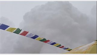 Vídeo de la avalancha que sepultó el campo base del Everest tras el terremoto de Nepal
