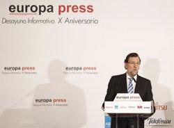 Foto: Rajoy afirma que s'està intentant contactar amb els més de 100 espanyols no localitzats després del terratrèmol (EUROPA PRESS)