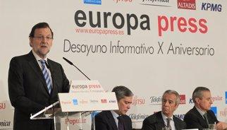Rajoy diu que vol ser el candidat a les generals i descarta canvis al PP si hi ha un mal resultat el maig