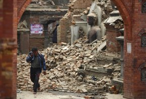 Foto: Aumenta a 3.726 muertos el balance del terremoto en Nepal (REUTERS)