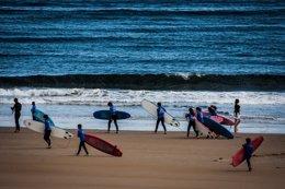 Foto: La nueva temporada de la Escuela de Surf arranca este fin de semana (AYTO)