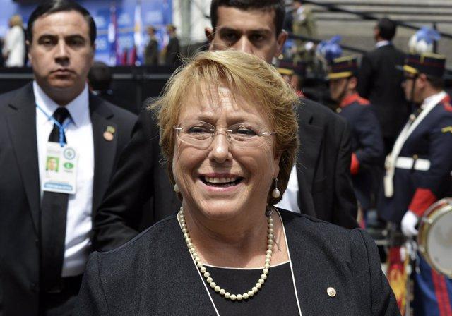 Foto: Bachelet pone fin al sistema electoral de Pinochet