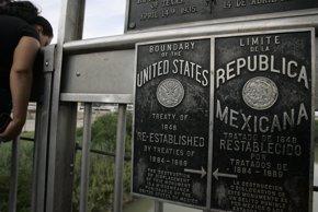 Foto: Policía mexicana libera a 92 secuestrados cerca de la frontera con EEUU (JESSICA RINALDI / REUTERS)