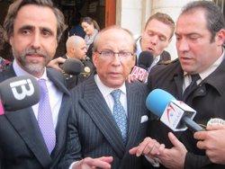 Foto: Ruiz Mateos, en cerca i captura en no comparèixer en un judici a Valladolid sobre un frau fiscal de 8 milions (EUROPA PRESS)