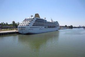 Foto: Sevilla.- Turismo.- Los cruceros Tere Moana y Adonia hacen escala en Sevilla el jueves (PUERTO DE SEVILLA.)