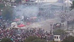 Foto: 170 ferits en una manifestació de professors a Curitiba (YOUTUBE)