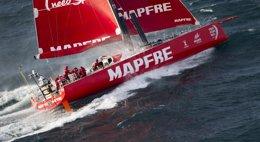 Foto: El 'MAPFRE' se mantiene quinto y la flota se comprime (MARÍA MUIÑA / MAPFRE)