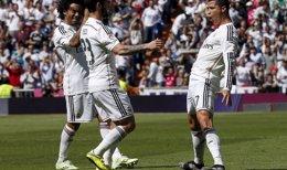 Foto: Cristiano y Messi mantienen el pulso por el Pichichi (SERGIO PEREZ / REUTERS)