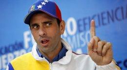 """Foto: Capriles tilda de """"insufiente"""" el aumento del 30% del salario mínimo (STRINGER VENEZUELA / REUTERS)"""