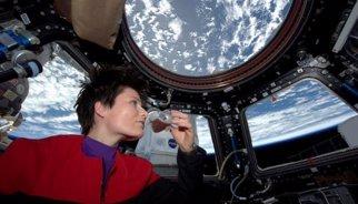 Primer cafè espresso que es pren a l'Estació Espacial Internacional