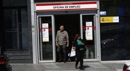 Foto: Baja el gasto en prestaciones por desempleo y la cobertura cae al 55,3% (EUROPA PRESS)