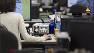 L'atur baixa en 118.923 persones l'abril a Espanya