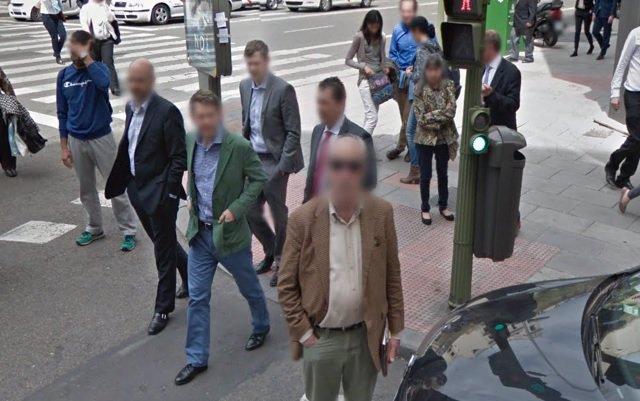 Las personas mejor vestidas de google maps 39 street view for Calle marques de riscal