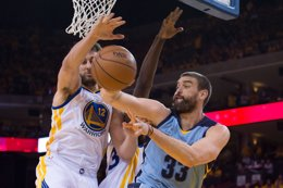 Foto: Memphis exprime su defensa e iguala la serie ante Warriors (REUTERS)