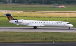 Foto: El copilot de Germanwings va maniobrar per baixar bruscament en el vol precedent al sinistrat (WIKIPEDIA)