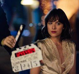 Foto: Dakota Johnson (50 sombras de Grey) protagoniza el anuncio Estrella Damm del Verano 2015 (ESTRELLA DAMM)