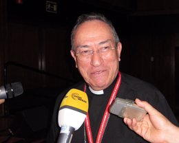 Foto: El presidente de Cáritas Internacional, el cardenal Maradiaga, visita este jueves Córdoba (EUROPA PRESS)