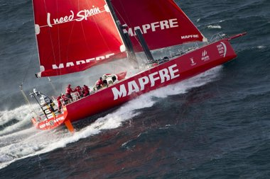 Foto: El 'MAPFRE' apunta al liderato de la flota (MARÍA MUIÑA / MAPFRE)