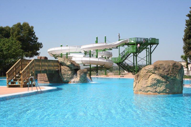 Cu ndo abren los parques acu ticos en espa a for Construccion de piscinas en lleida