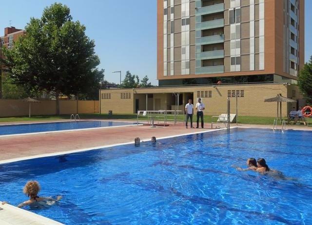 El ayuntamiento de lleida abre las piscinas municipales el for Piscinas municipales lleida