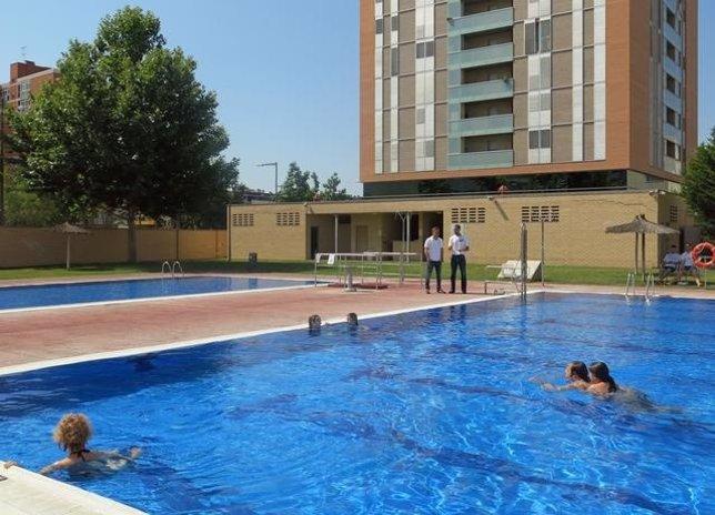 El ayuntamiento de lleida abre las piscinas municipales el for Piscina lleida