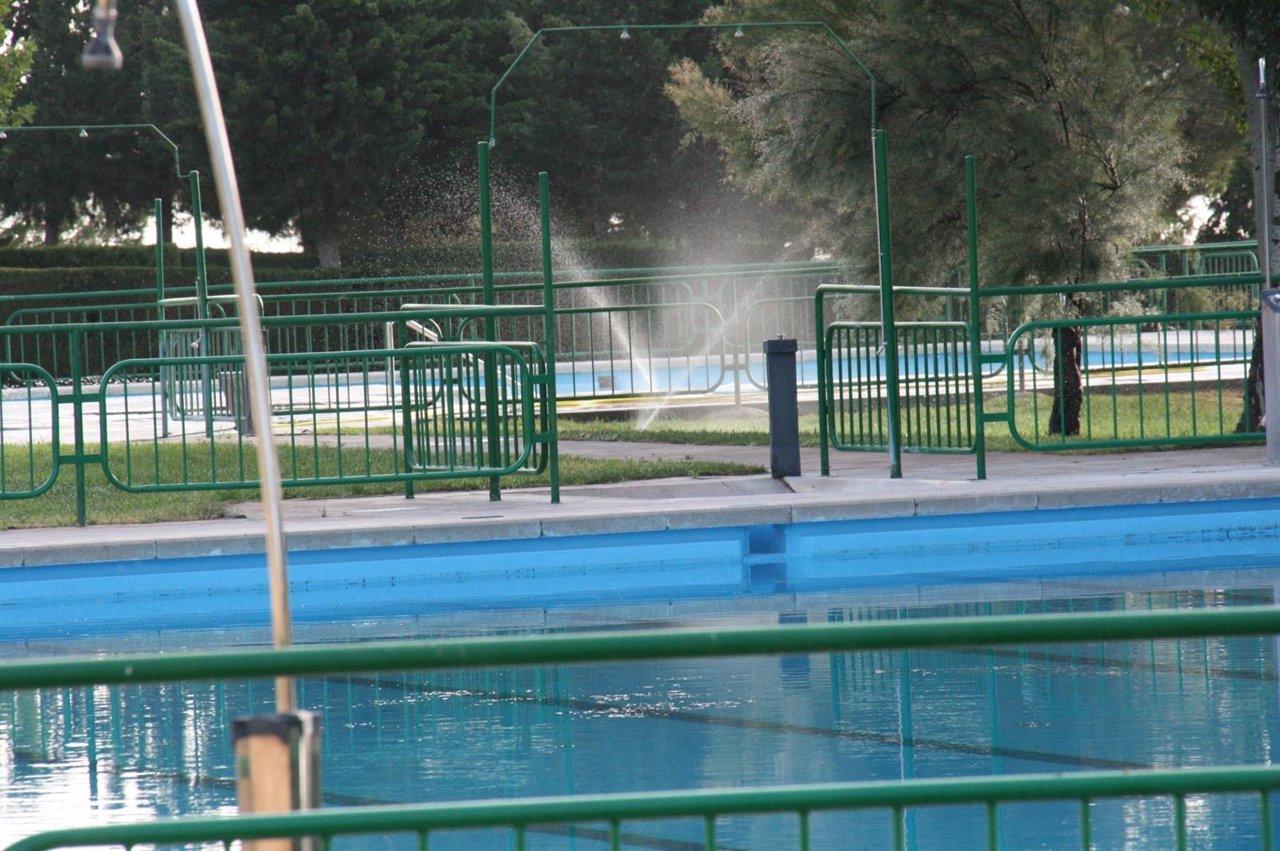 Las piscinas municipales de mequinenza abren sus puertas for Piscinas municipales de zaragoza