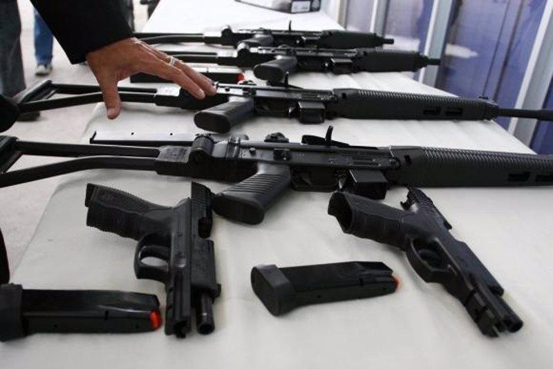 Un estudio vincula la tenencia de armas con los delitos y for Porte y tenencia de armas de fuego en republica dominicana