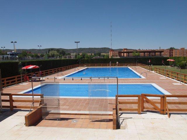 Consumo recomienda los flotadores manguitos y otros for Manguitos piscina
