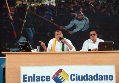 Foto: Rafael Correa muestra imágenes de violencia durante la manifestación de la oposición (PRESIDENCIA ECUADOR)