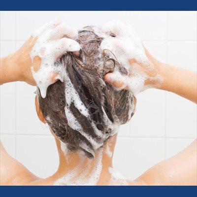 Foto: Cómo lavarse el pelo en verano (CLAUDIA DI PAOLO)