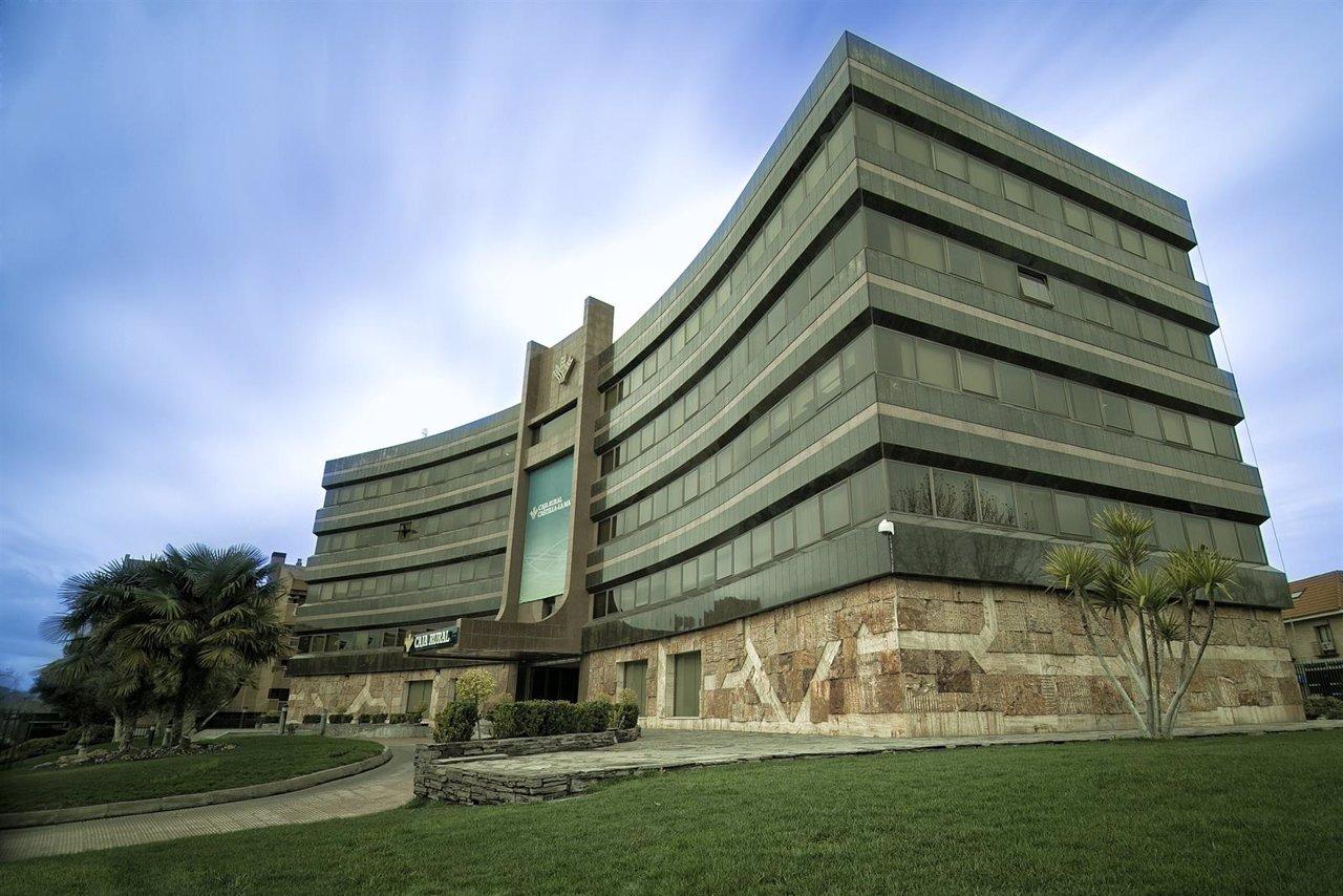 Caja rural c lm aclara que la compra de oficinas de banco for Bmn caja granada oficinas