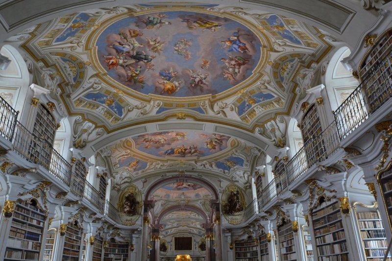 Las bibliotecas m s impresionantes del mundo un aliciente para estudiar en verano - Libreria universitaria madrid ...