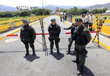 Foto: Venezuela y Colombia llaman a consultas a sus embajadores por la crisis fronteriza (REUTERS)