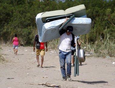 """Foto: Uribe denuncia """"trato cruel de la dictadura"""" de Venezuela a colombianos (JOSE GOMEZ / REUTERS)"""