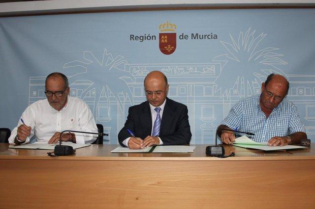 Hacienda firma convenios con las comunidades de regantes - Viveros murcia el esparragal ...