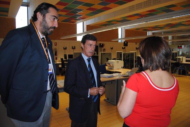 La oficina de extranjer a de la delegaci n tramita cerca for Oficinas de extranjeria