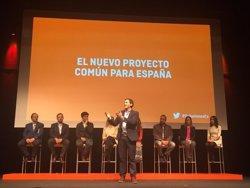 Rivera promet prioritzar economia i educació per reformar Espanya