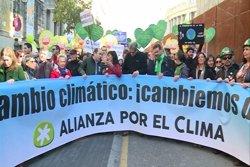 Unes 2.000 persones participen en la Marxa Mundial pel Clima a Barcelona (EUROPA PRESS)